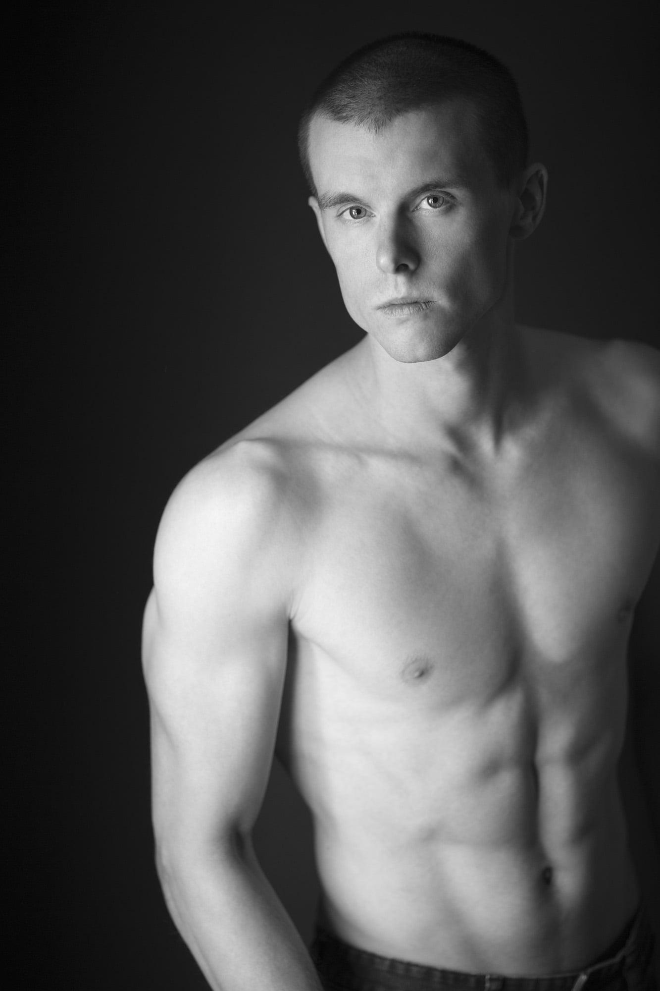 Lucas's studio style fitness photo shoot with portrait photographer Jason Guy